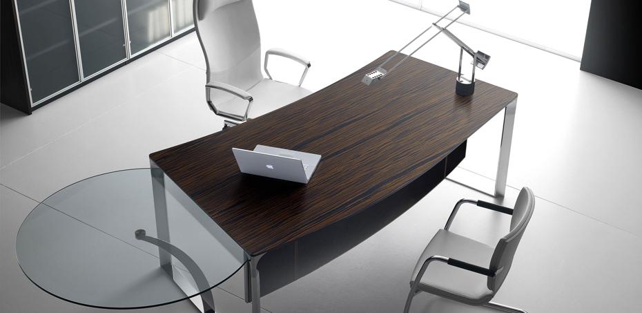 Scrivania ufficio dhow di ora acciaio scrivaniadesign for Scrivanie direzionali moderne