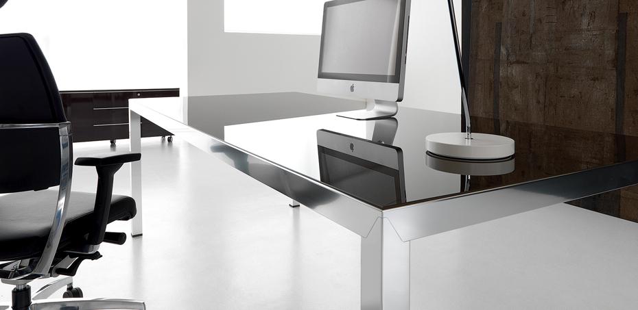 Scrivania Studio dal design ricercato Fly di IVM Office