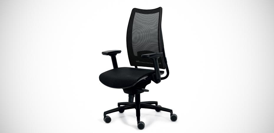 Sedia per ufficio ergonomica in rete overtime di luxy design for Sedie ufficio design