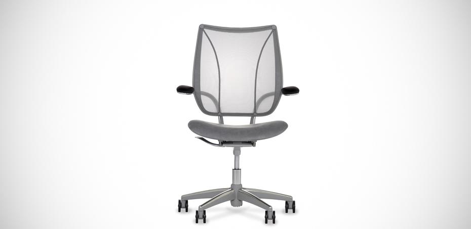 Seduta ergonomica in rete liberty di humanscale design for Poltrona liberty
