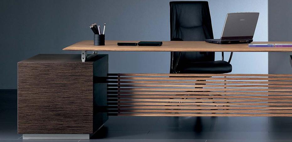 Rho scrivania direzionale di ora acciaio designer luca for Scrivanie direzionali moderne