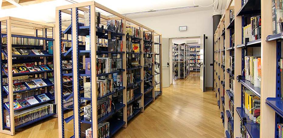 Scaffali e arredi multifunzionali per biblioteche for Gonzaga arredi